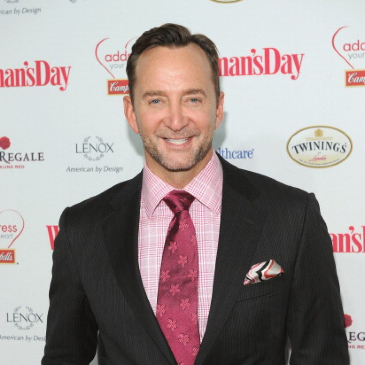clinton kelly gay