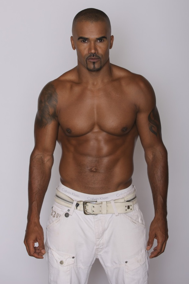 Shemar-Moore-All-White